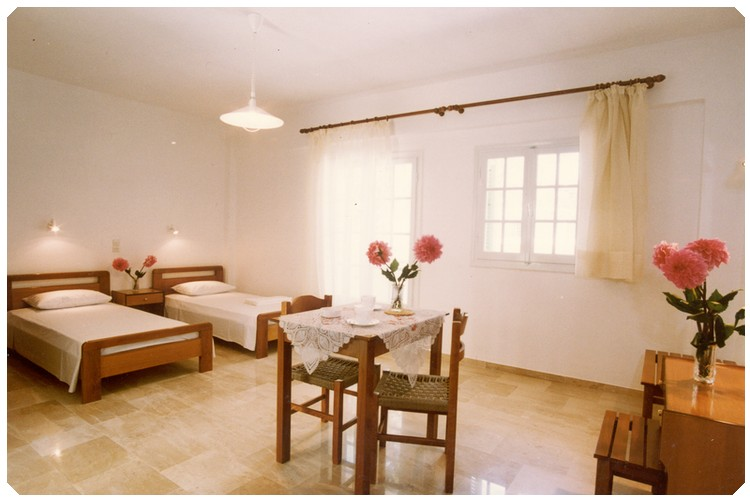 Marinos studio (sleeps 2)