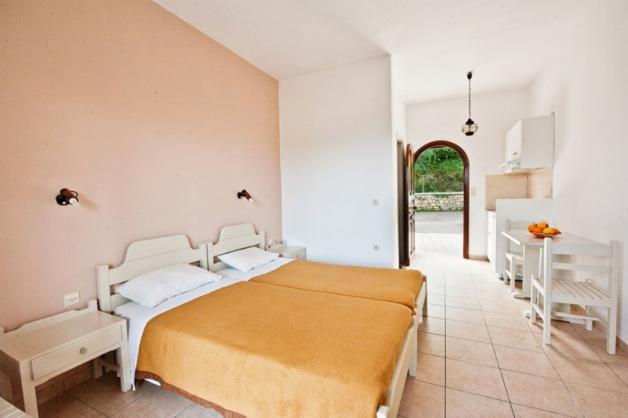 Mirabello Studio (sleeps 2)