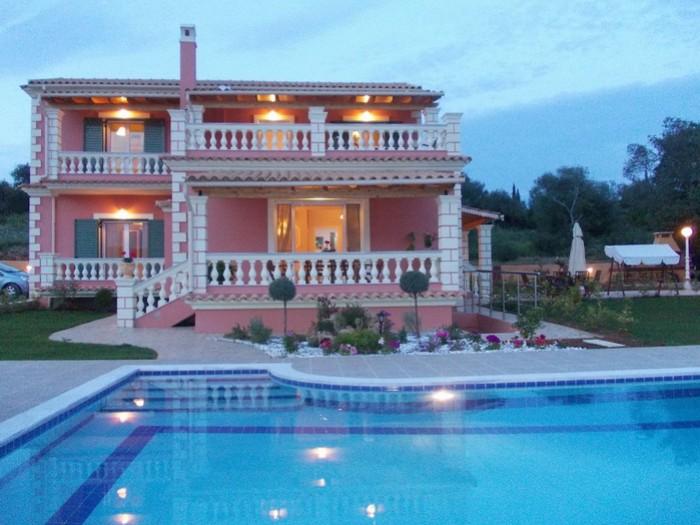 Mirella villa