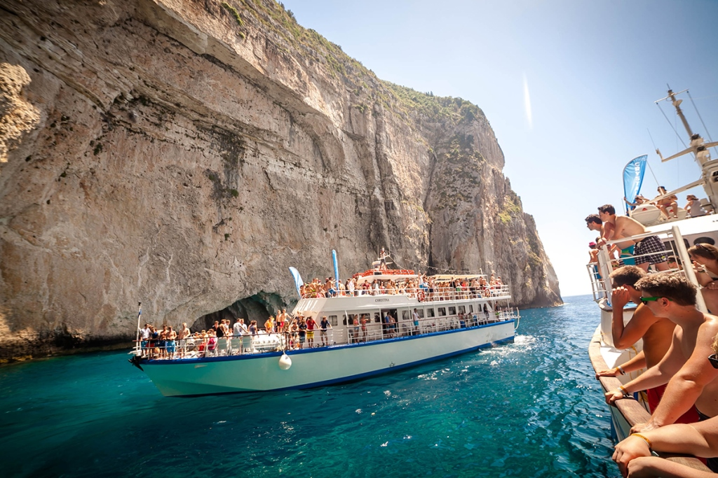 Paxos-Antipaxos with IONIAN CRUISES