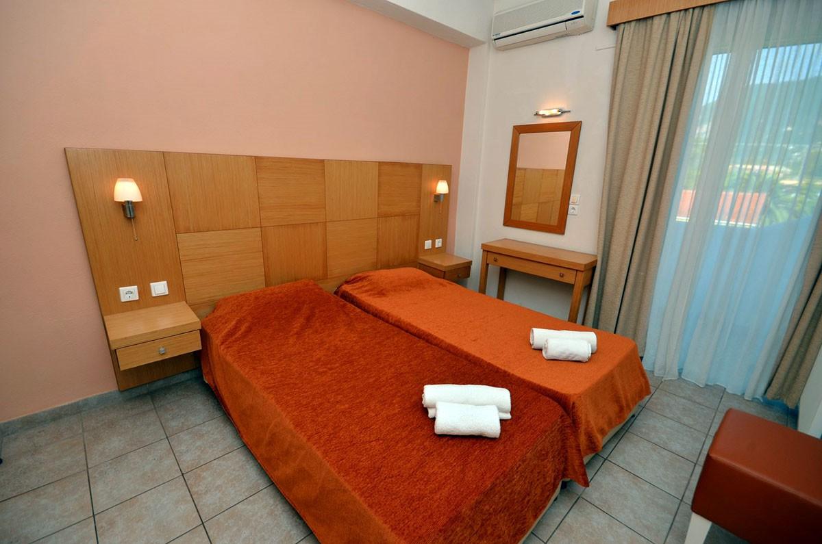 Sunrise apartment (sleeps 4)
